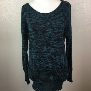 Multiple color knit sweater with two pockets